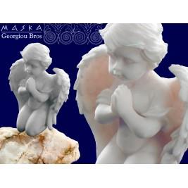 Aniołek modlący się -alabaster grecki 9 cm